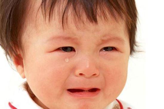 صورة أسباب بكاء الطفل